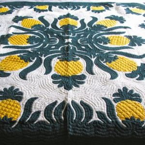 Pineapple Bedspread BGY